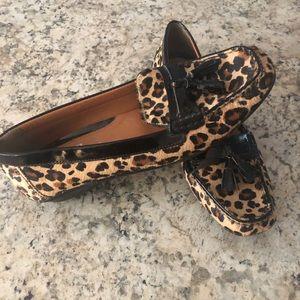 Adorable Leopard Flats!!